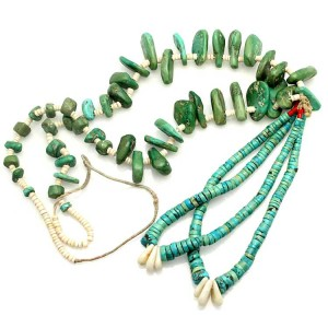 Turquoise beads with jacla. Native American Jewelry